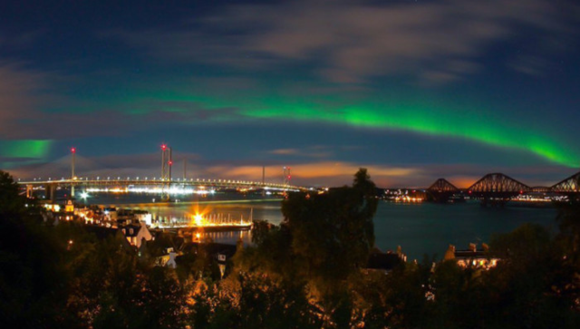 Aurora at the Three Bridges